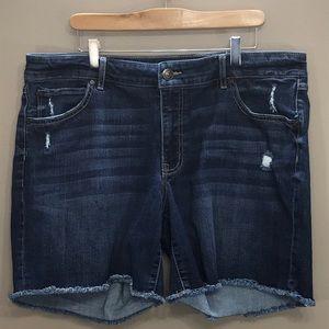 BOOTLEGGER Mid Rise Jean Shorts Size…